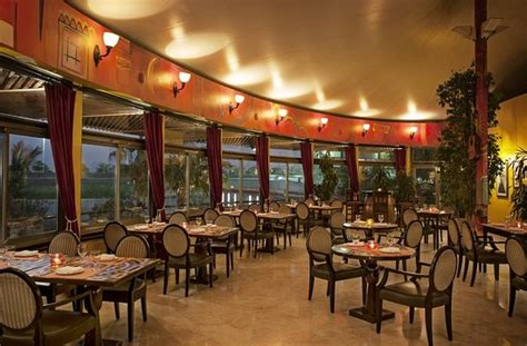corniche abu dhabi restaurants sheraton abu dhabi hotel resort united arab emirates