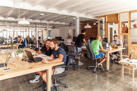 wework desk review benefits of co working spaces rayting