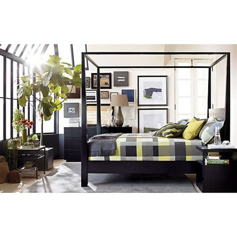 black canopy bed queen 25 best ideas about black canopy beds on pinterest the canopy high ceiling bedroom
