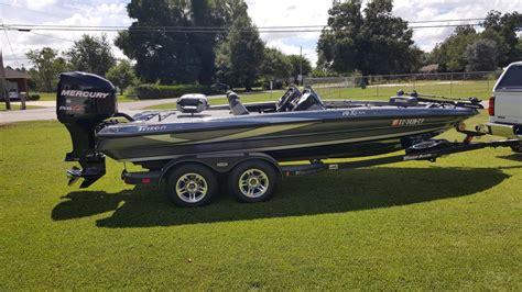 triton boats passenger console triton 225dc boats for sale