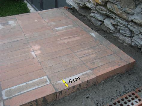 costruzione camino a legna forno in mattoni refrattari a base rettangolare