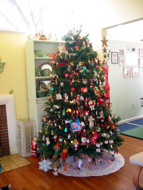 dime store chic oh tacky christmas tree