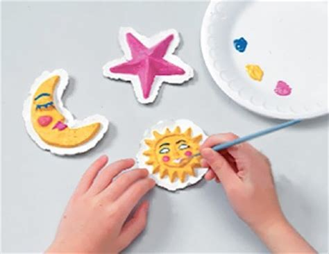 Crafts To Make With Paper - how to make a paper magnet for howstuffworks