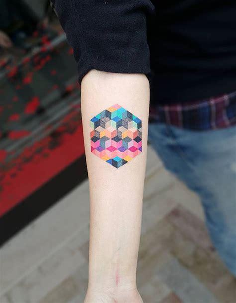 tattoo junkee glam st 1001 id 233 es tatouage sur l avant bras tel une carte de