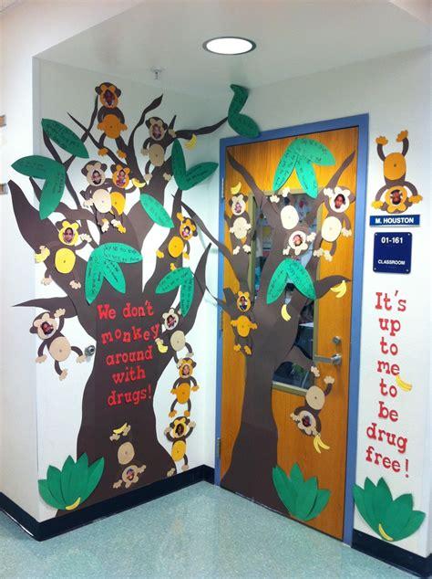 Free Ideas Door Decorating by Classroom Door For Free Week Teaching Fall