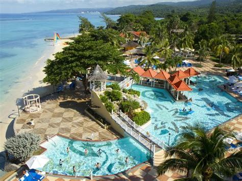 relaxing at the jewel dunns river beach resort spa jewel dunn s river beach resort spa ocho rios reviews