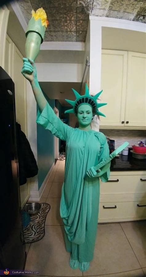 statue  liberty costumes photo