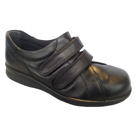 easy b black leather velcro shoe marshall