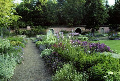 abby aldrich rockefeller garden designed by beatrix
