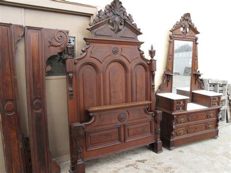 Mitchell Rammelsberg 2 Piece Walnut Bed Set Antique Wood Bedroom Furniture