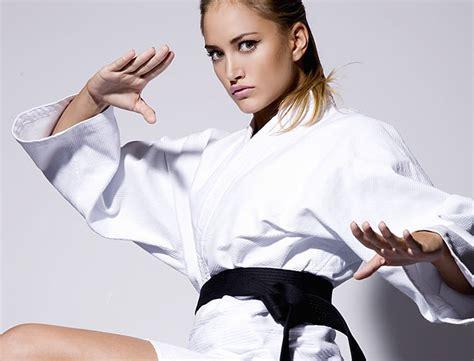 imagenes de mujeres karatecas las mujeres y el arte marcial taringa