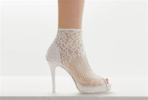imagenes de vestidos de novia y zapatos botines para novias