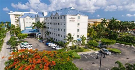 comfort suites cayman islands comfort suites arch godfrey cayman islands