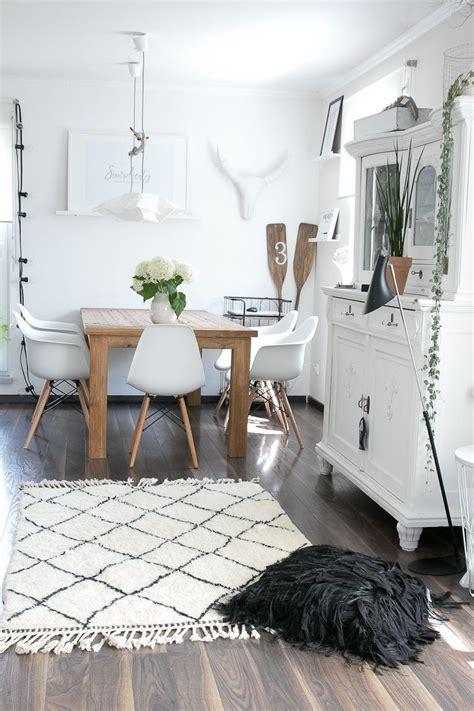 Wohnzimmer Scandi Style by Berber Teppich Beni Ourain Boho Scandi Style