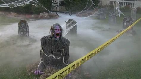 Halloween Front Yard Decoration Ideas - grillo halloween decorations 2012 demonica zombie guardian of the grave and more youtube