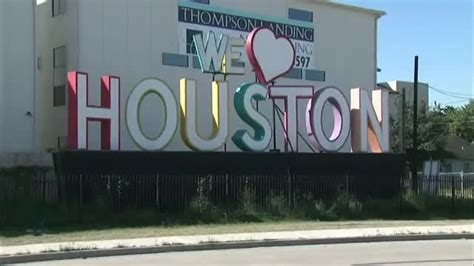we love houston sign we love houston sign to be moved to new location
