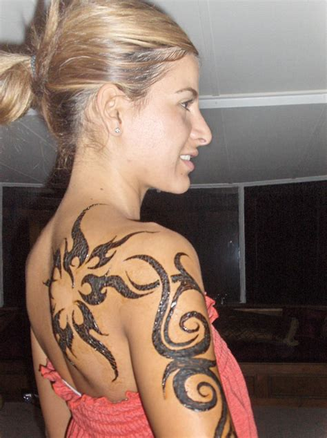 tattoo lady tribal shoulders tattoos for 2013female tattoos gallery