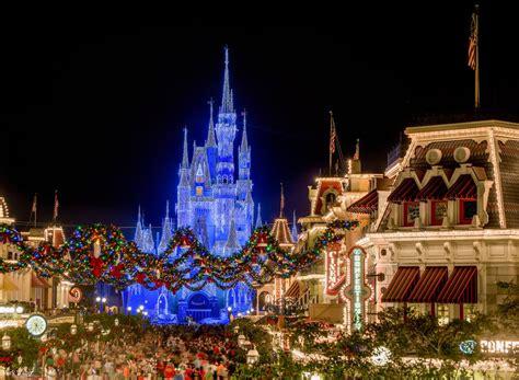 holiday highlights of walt disney world s christmas