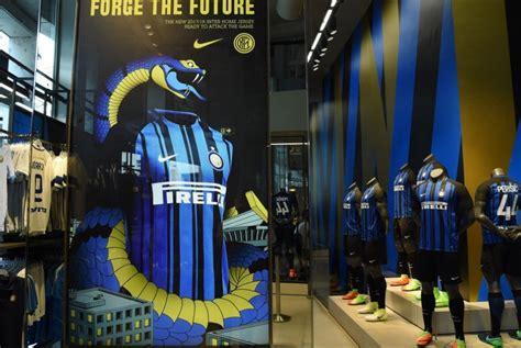 Jersey Baju Bola Inter Milan 2017 2018 Home Grade Ori inter luncurkan kostum kandang musim 2017 2018 republika