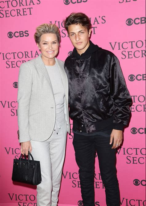 yolanda foster and david foster divorce lyme disease divorce diss yolanda hadid uncovers another shocking