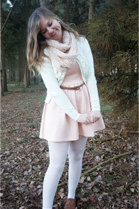 white tights black light brown shoes dresses white tights light pink