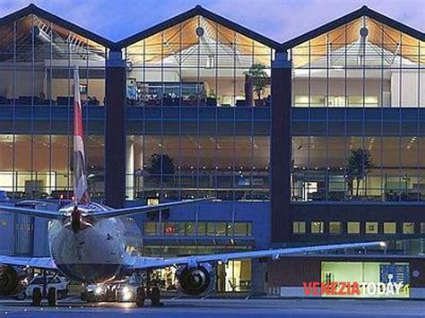 voli venezia porto dati passeggeri 2015 all aeroporto marco polo di venezia