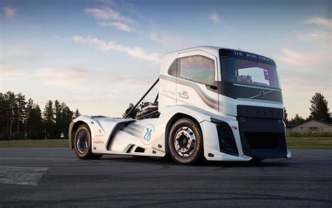 volvo iron knight truck breaks speed records  kmh   performancedrive