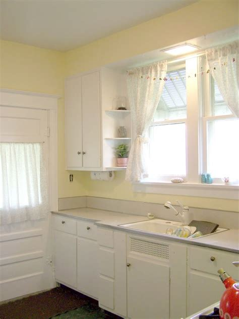 Yellow Kitchen With White Cabinets White And Yellow Kitchen For Our House At The Lake Home Decorating
