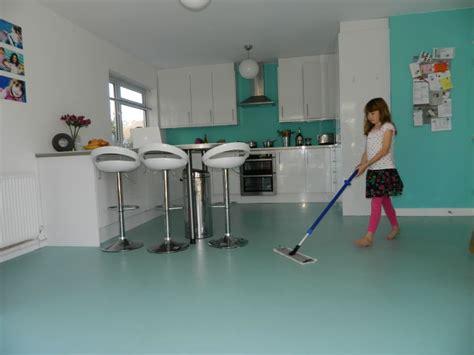 pulizia pavimenti in resina come pulire pavimenti e rivestimenti in resina come