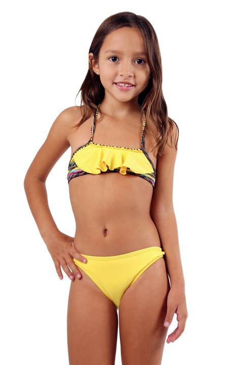 young little girls bikinis 14 15 young girls beach bing images