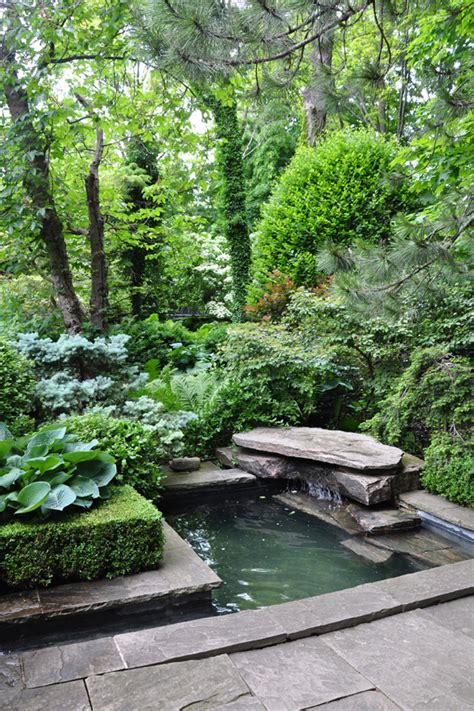 Small Garden Pond Ideas Three Dogs In A Garden Pin Ideas Small Water Features Garden Ponds