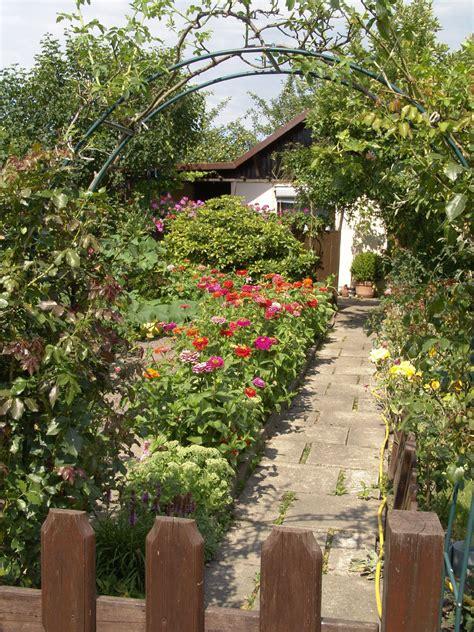 Kleingarten Gestalten by Der Kleingarten Bietet Viele M 246 Glichkeiten Zur Gestaltung