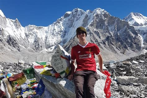 film everest nottingham army chef who has never climbed a mountain before takes on