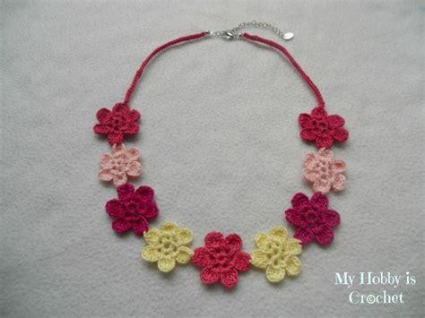 crochet pattern flower necklace acess 211 rios de croch 202 on pinterest crochet slippers