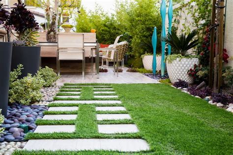 Modern Landscaping Ideas For Small Backyards Simple Landscaping Ideas For Small Backyards