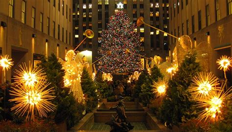 Beautifully Decorated Homes For Christmas christmas season in new york newyorkcity uk