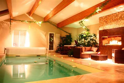 chambre d hote avec piscine int駻ieure chambre avec chemin 233 e piscine int 233 rieure chauff 233 e et