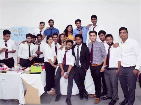 Amity Mba Quora by How To Adjust To College In A New City Quora
