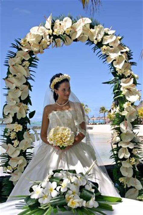 How To Decorate A Arch For Wedding by Wedding Arches With Flowers Wedding Ideas