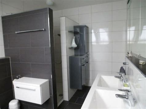 Walk In Dusche Gemauert 4108 by Gemauerte Dusche Als Blickfang Im Badezimmer Vor Und