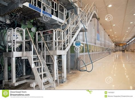 How To Make A Paper Mill - paper and pulp mill fourdrinier machine stock image