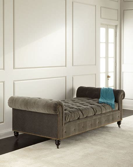 tufted day bed regina andrew design queen bee tufted daybed