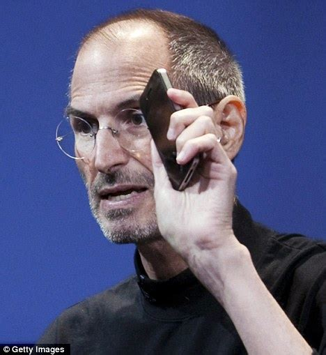 steve jobs death bed apple offers 25 million iphone 4 owners 15 or a free case in settlement over antenna