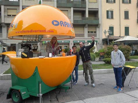 bar mobile usato vendesi bar chiosco mobile a forma di arancia aprire un bar