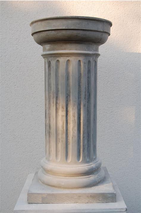 pedestals   mould garden page