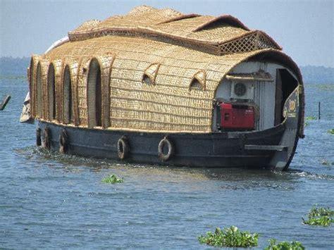 house boat kumarakom the houseboat picture of kumarakom lake resort kumarakom tripadvisor
