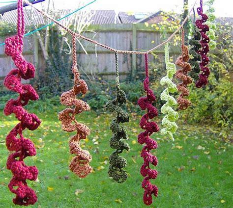 crocheted christmas tree garland ideas 16 heartwarming exles of beautiful crochet decor