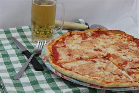 ricetta pizza fatta in casa pizza fatta in casa ricetta cucina per caso con amelia
