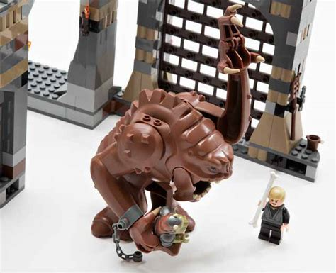 wars pit lego wars rancor pit 75005 pley buy or rent the