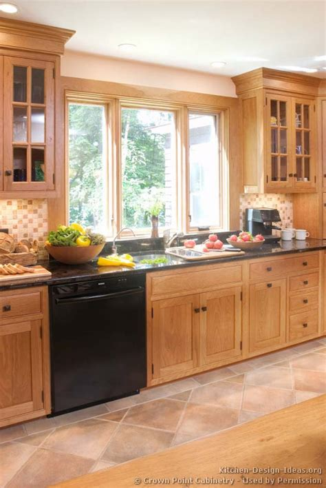 Ideas For Light Colored Kitchen Cabinets Design Shaker Kitchen Cabinets Door Styles Designs And Pictures